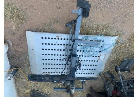 Wheelchair hitch lift